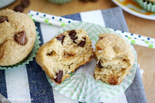 peanut butter banana chocolate chip muffins 5boysbkaer.jpg