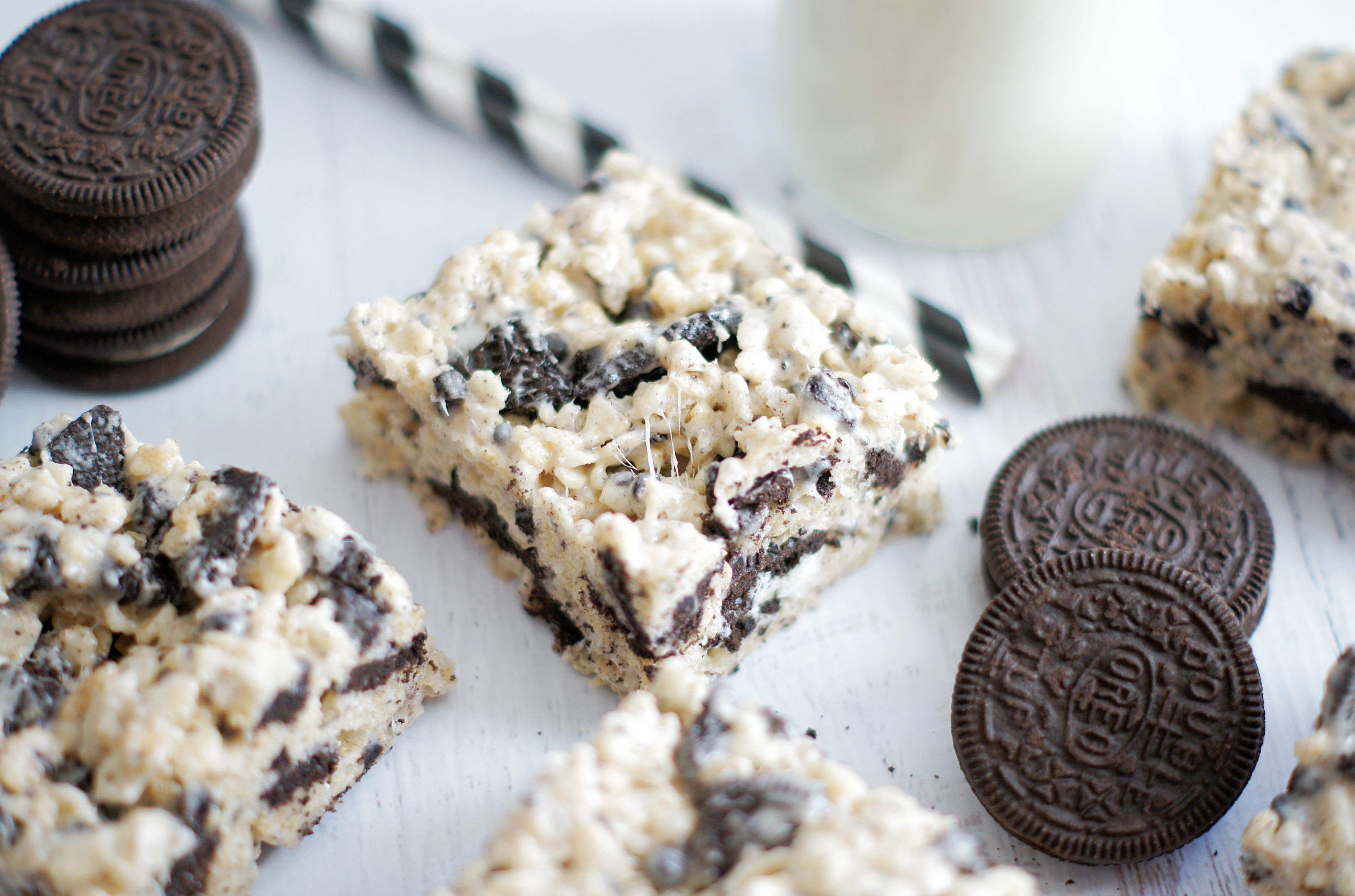 Cookies 'n' Cream Rice Krispie Treats - 5 Boys Baker