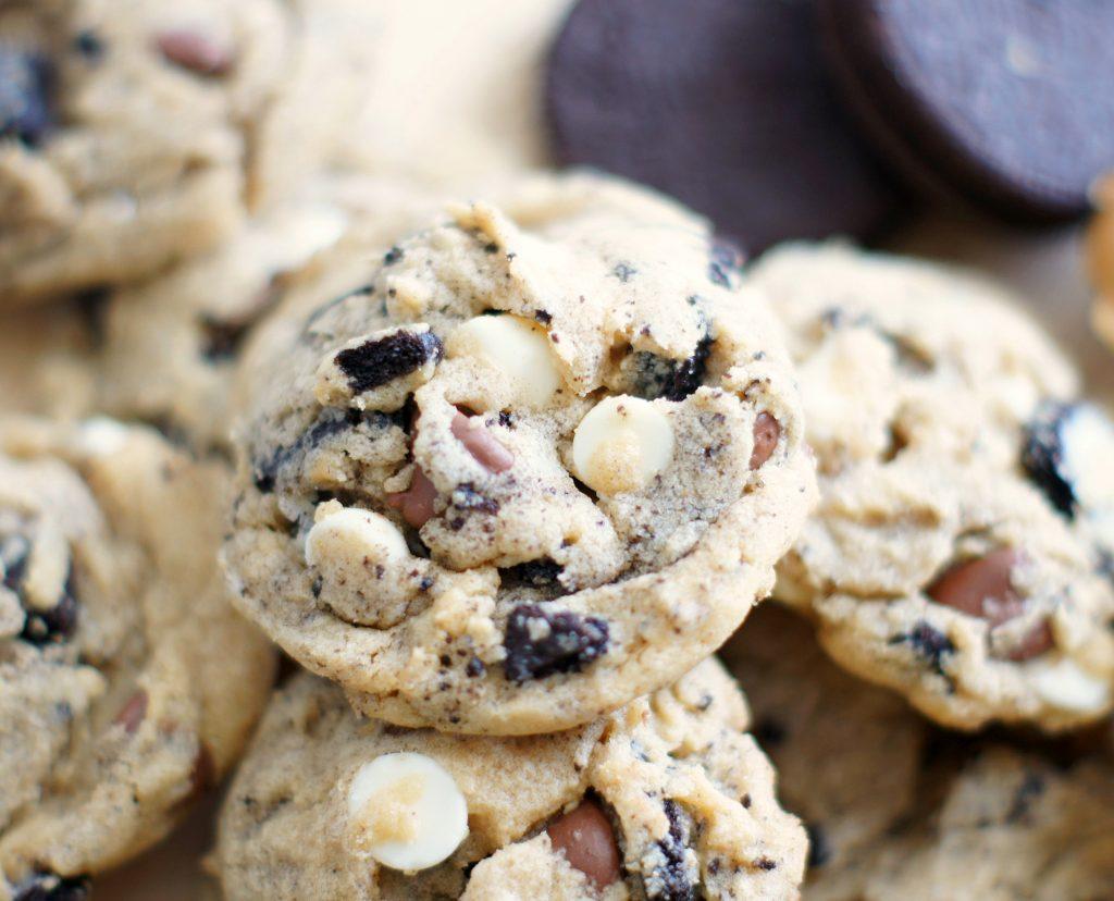 peanut butter cookies & cream cookies
