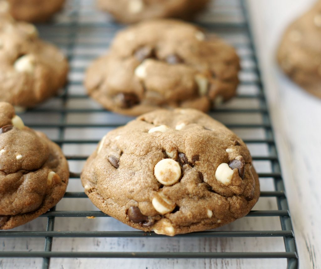 soft Nutella whlte chocolate chip cookies