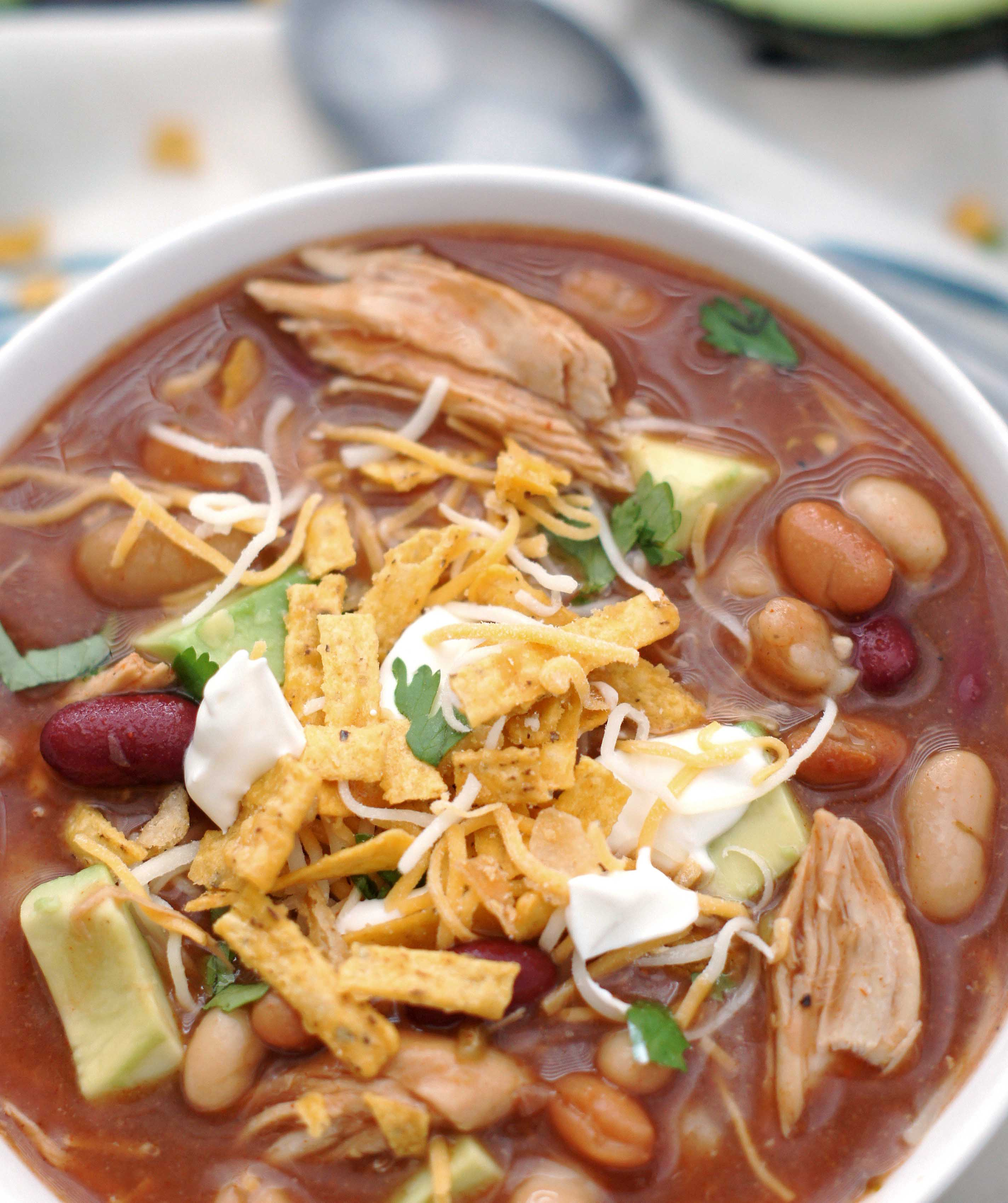 slow cooker sweet smoky bbq chicken chili 5 boys baker