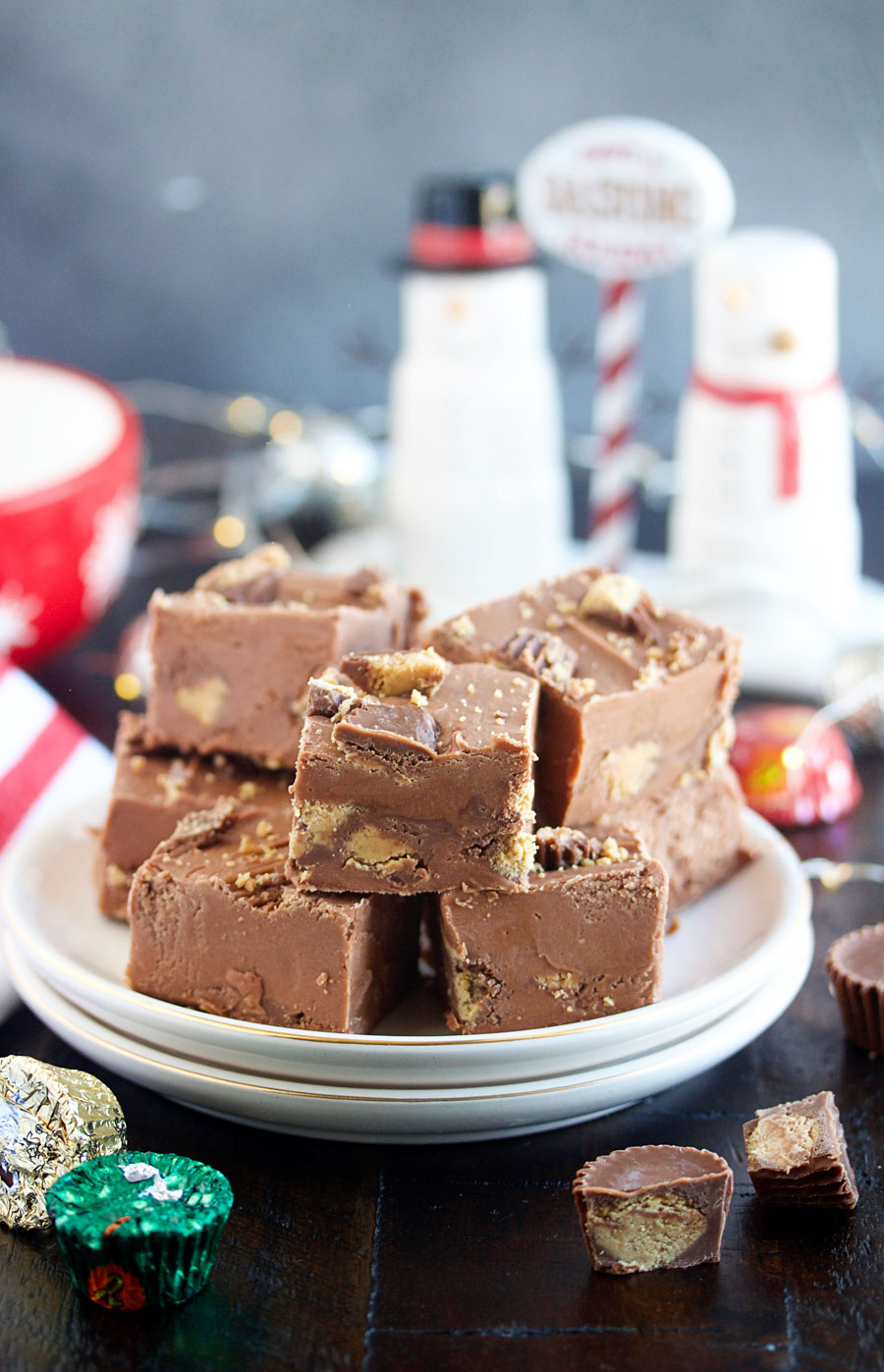 A plate of Reese's peanut butter cup fudge